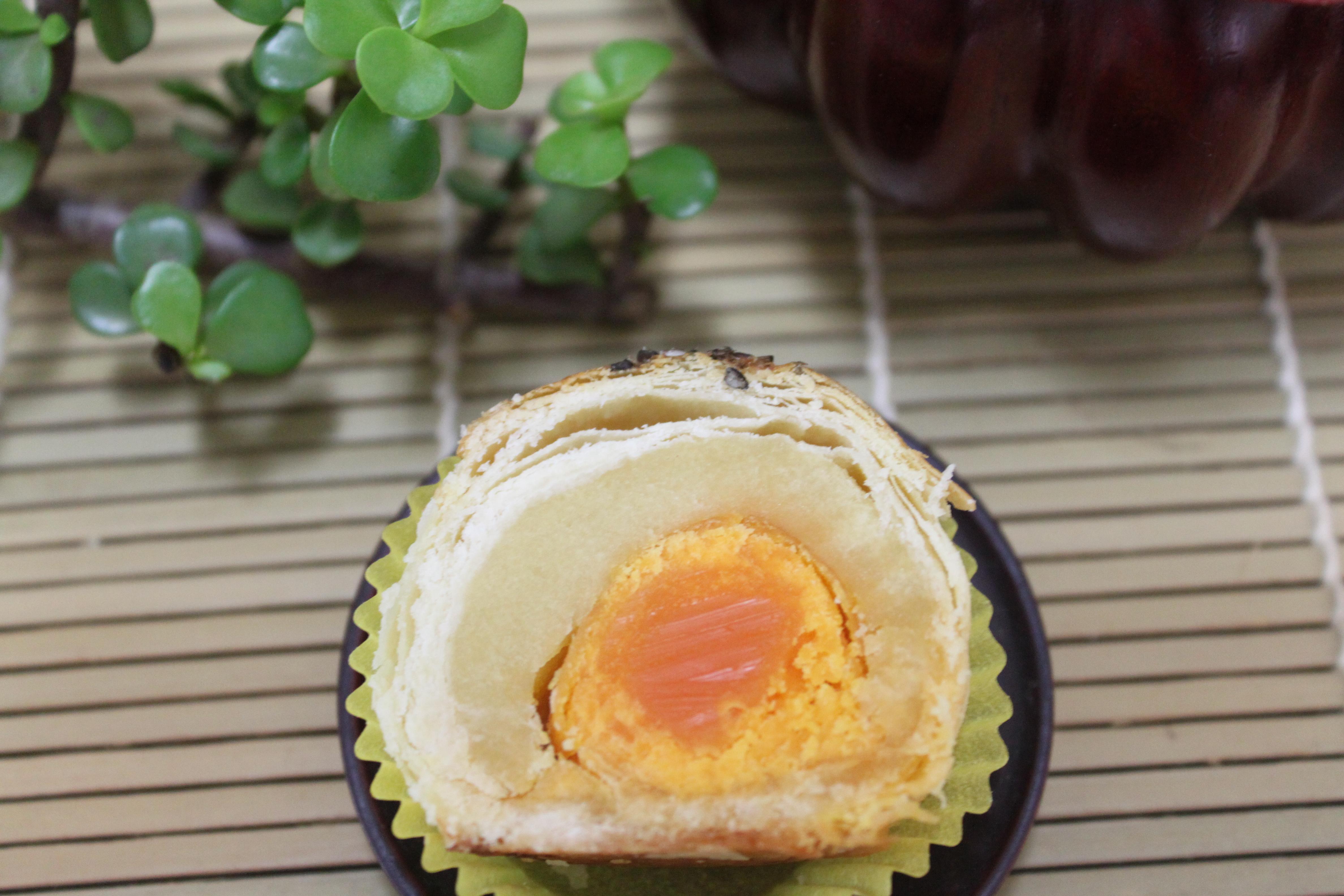 綠豆蛋黃酥
